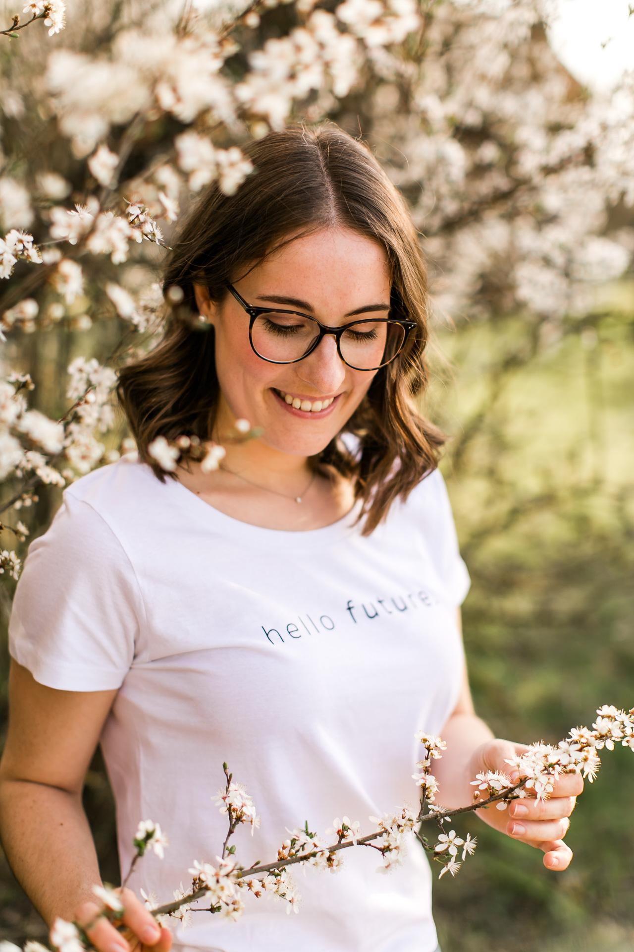 Portraitshooting in Öhringen in den Blüten im Frühjahr