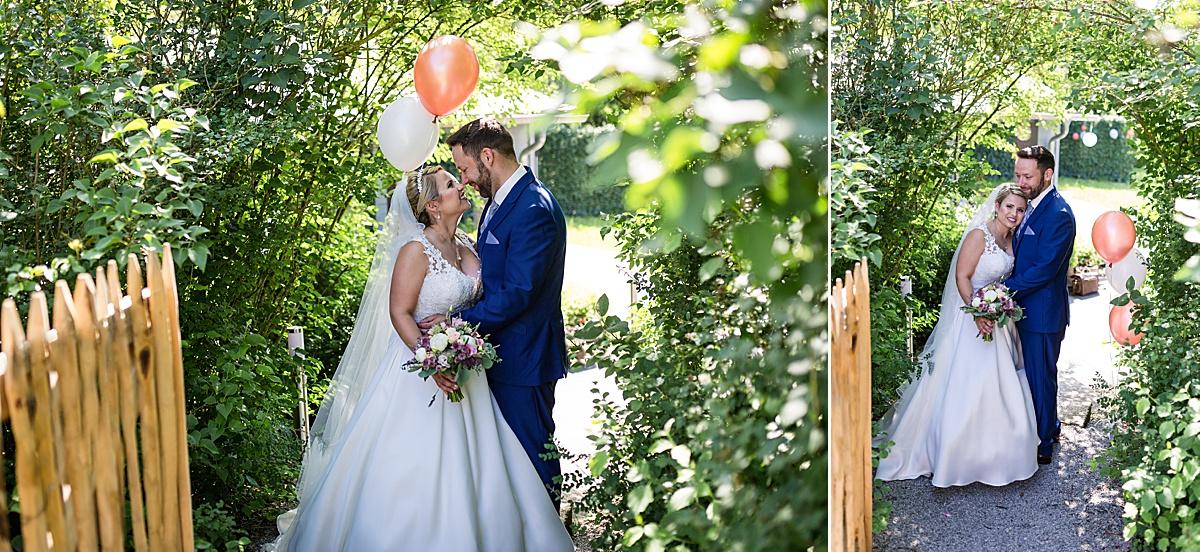 Brautpaarshooting mit Luftballons